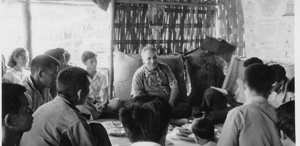 Dr. Muhajir Visiting Baha'is